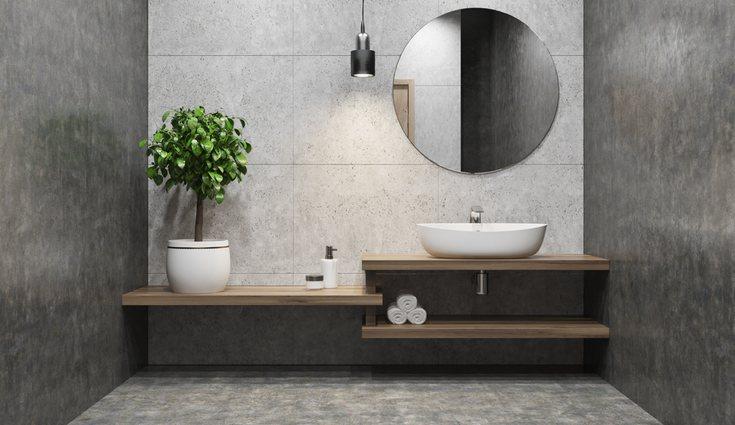 El baño es una estancia donde el espejo no puede faltar