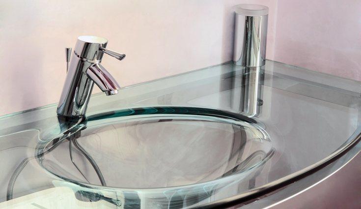 El fregadero de cristal es el más frecuente en baños