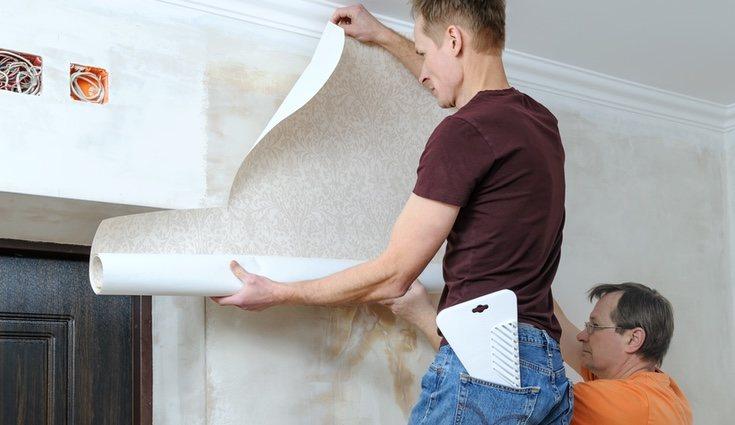 A la hora de decorar con papel adhesivo hay que llevar cuidado de no hacer burbujas